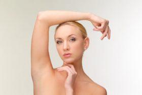 汗が臭い40代女性の悩み! 原因は加齢臭で更年期のせい?